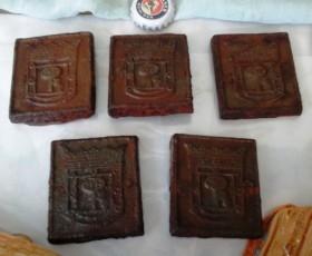 Viejos escudos de Madrid hierro macizo. 5 unidades. Para reutilizar. Emblemáticos