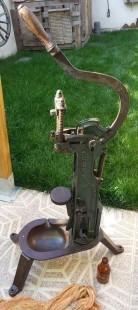Encorchadora antigua. Manual. Profesional y funcionando. Maravillosa herramienta.