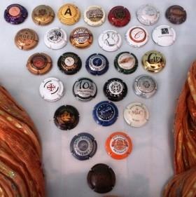 Colección de 28 placas de cava, champán