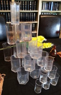 Vasos. Conjunto de 24 vasos vintage. Años 70. Vidrio rugoso.