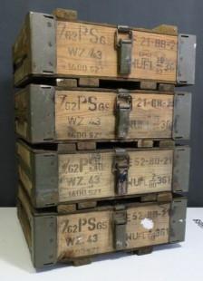 Cajas de madera. 4 unidades. Militares de munición. Fuertes y pesadas.