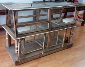Mueble vitrina. Especial para pastelería y bollería. Estilo vintage.